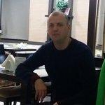 Snimka Besim Uka,Iskam da sreschna s zhena - Wamba: onlajn chat & soushl dejtig