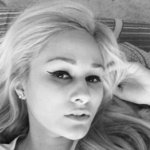 Photo Hallo, I'd like to meet a guy - Wamba: online chat & social dating