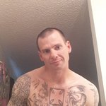 Photo Danny Hassett, I'd like to meet a girl aged 18 - 50 years old - Wamba: online chat & social dating