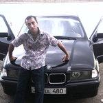 Foto Garnik Nasibyan, sto cercando Donna - Wamba