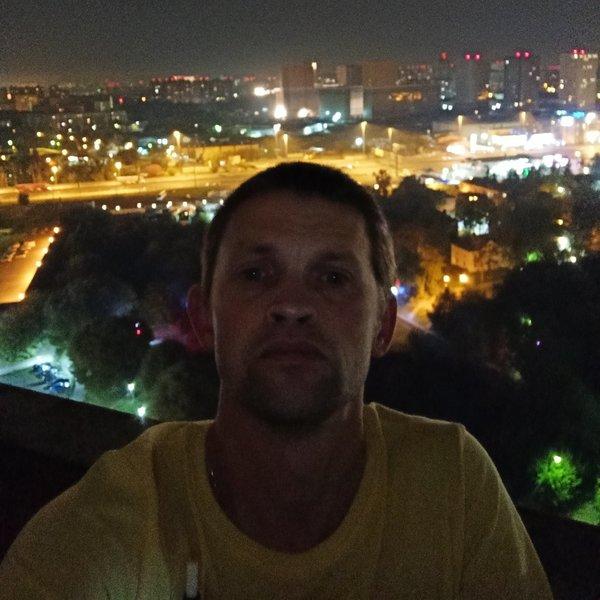 Andrey Velmozhko