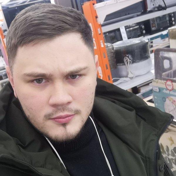 Дмитрий Шухарев