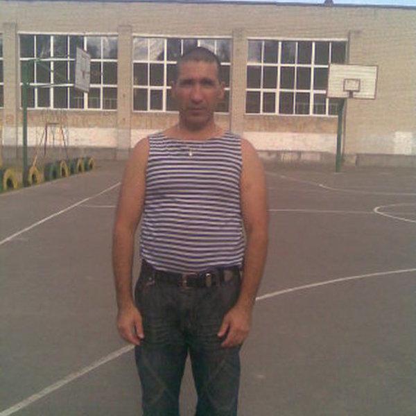 Андрей Чариев