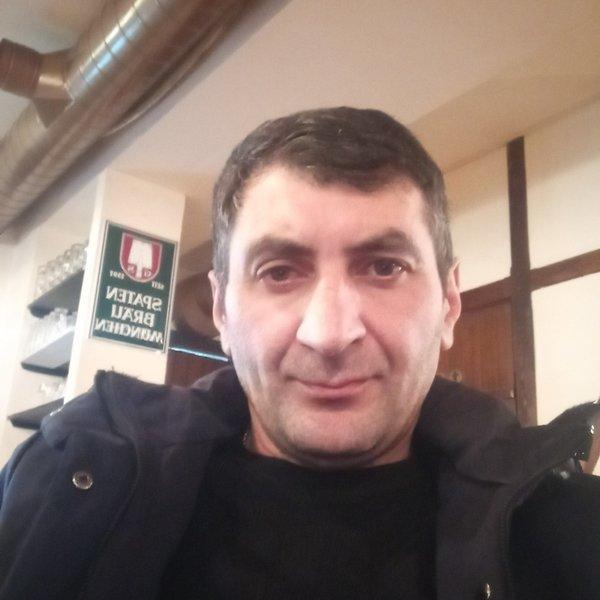 Anton Slavnov