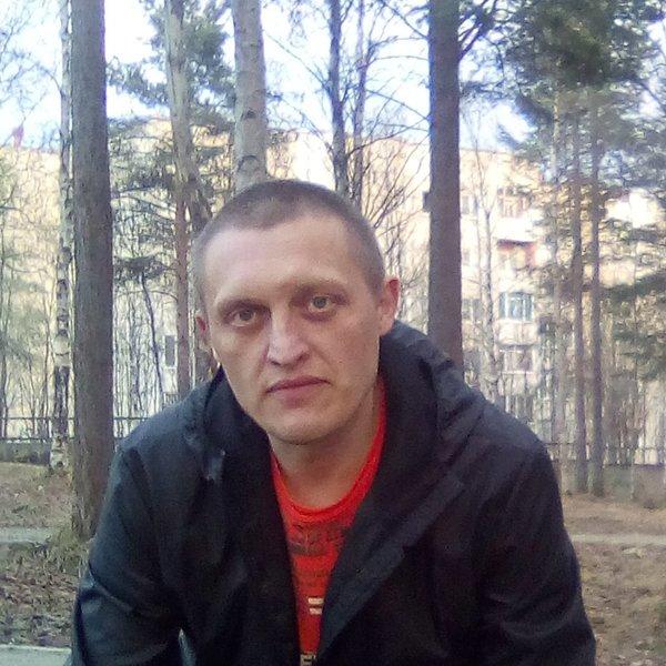 Роман Мук