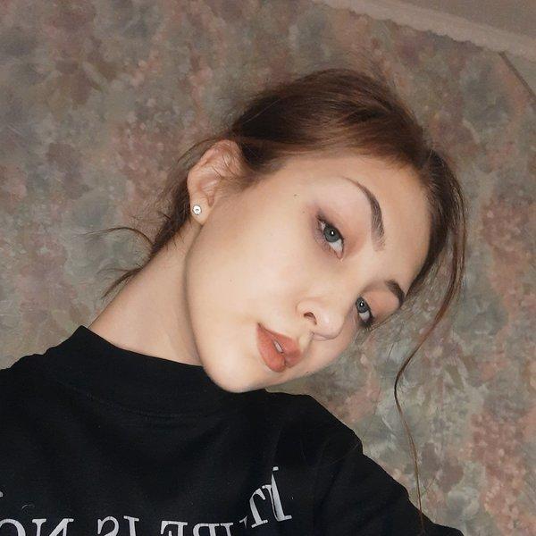 Аня Милютикова