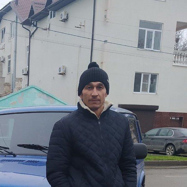 Сардор Ахмедов
