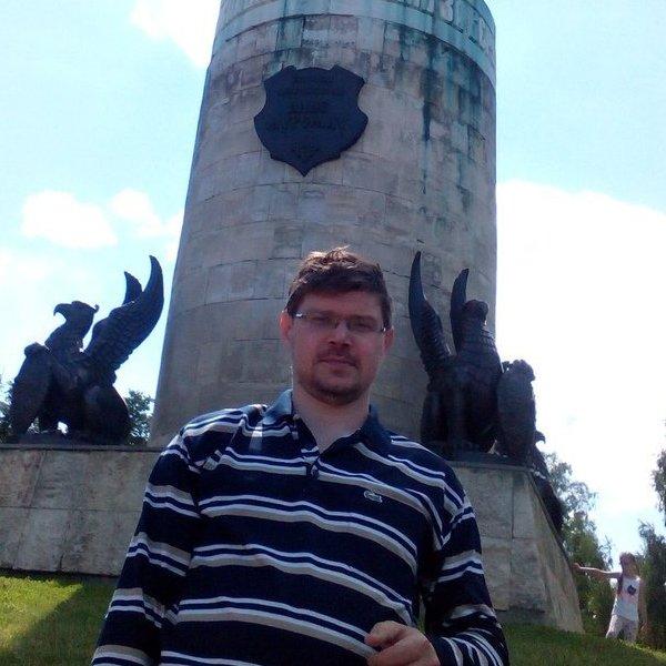 Максим Суминов