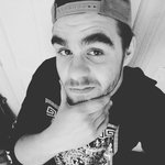 Photo Dustin Supra, I'd like to meet a girl - Wamba: online chat & social dating