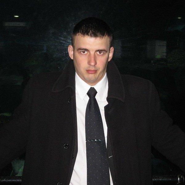 Виктор Кононов