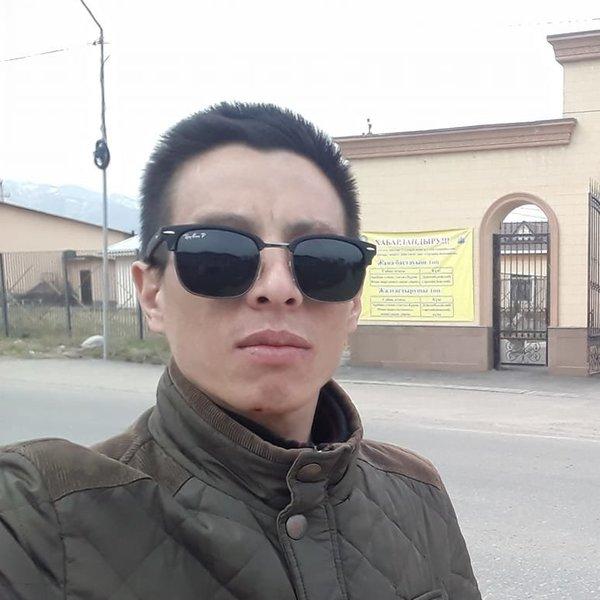 Айбек Шаршеев
