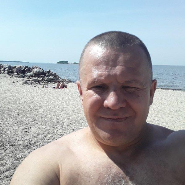 Дмитрий Леонов