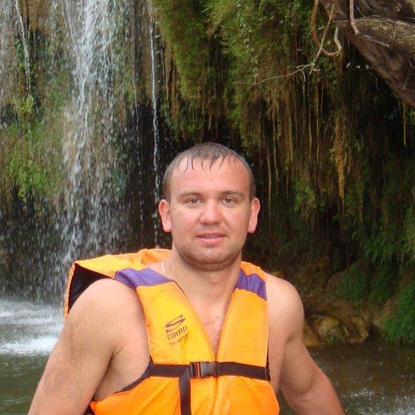 Андрей Епифанов