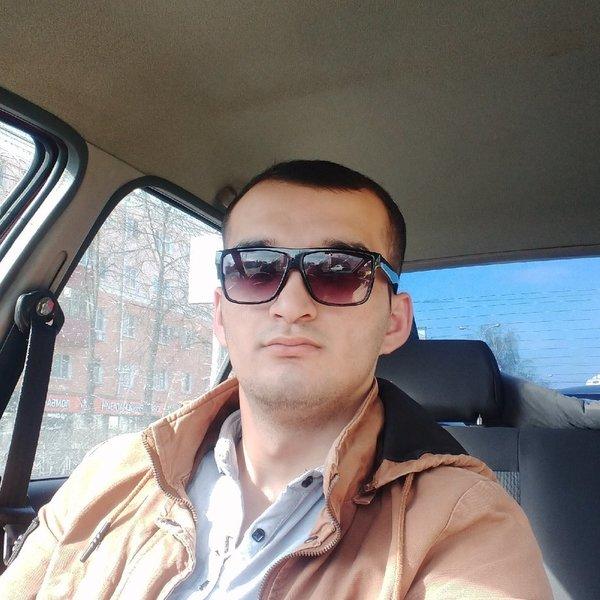 Ислам Шарипов