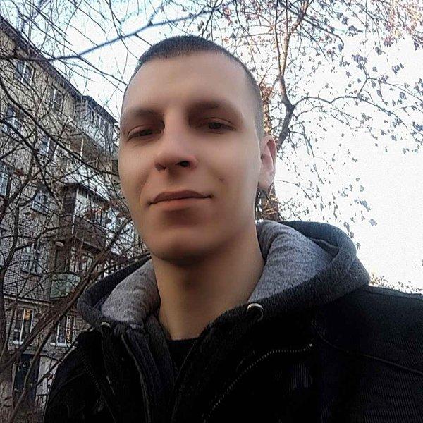 Антон Плотников