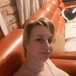 Photo Laura, I'd like to meet a guy aged 26 - 30 or 36 - 40 years old - Wamba: online chat & social dating