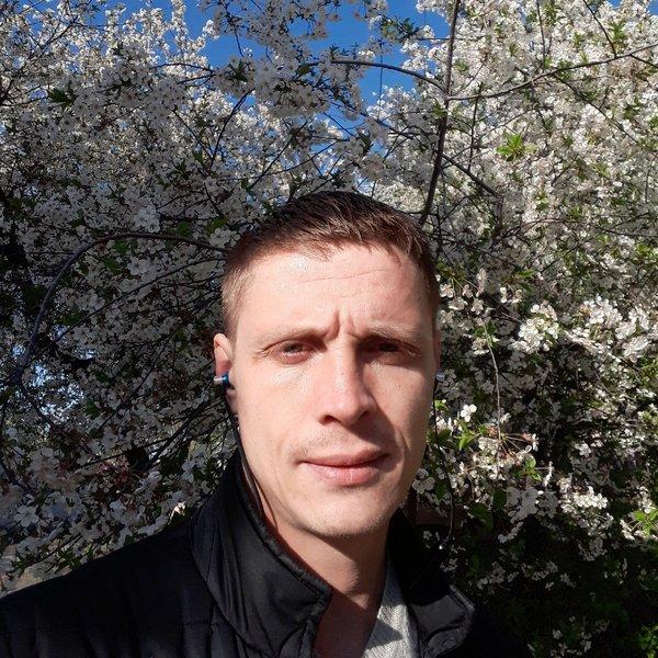Alex Strelnikov