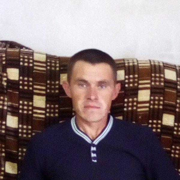 Максим Банников