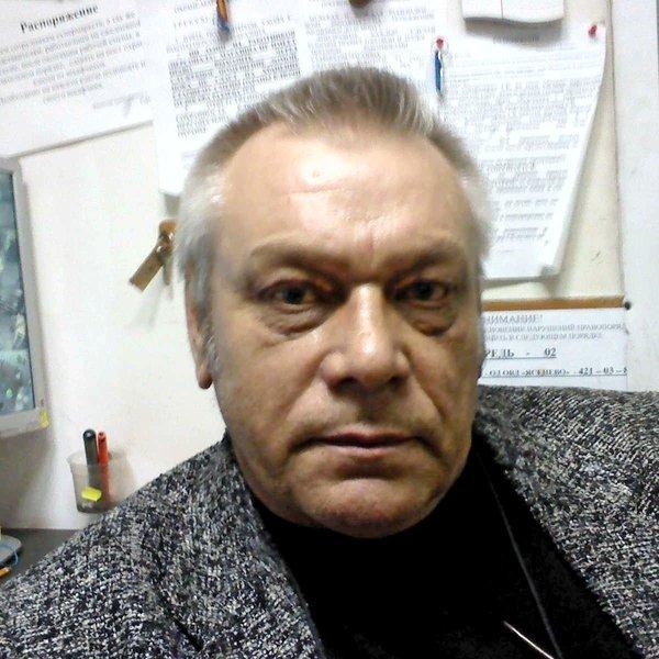 Игорь Левенков