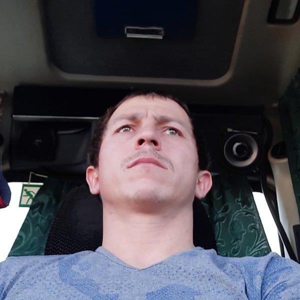 Анзор Зарахов