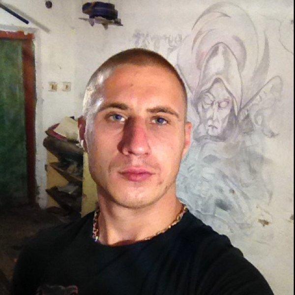Олег Животов