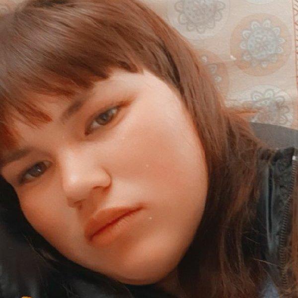 Лена Жарова