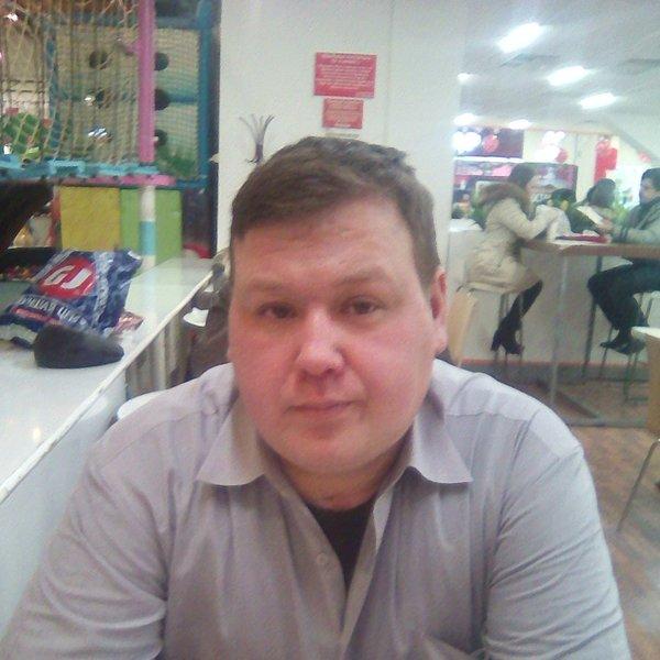 Денис Текотин