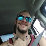 Photo Micheal, I'd like to meet a girl aged 21 - 30 year - Wamba: online chat & social dating