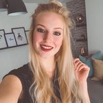 Photo Rose, I'd like to meet a guy aged 31 - 60 year - Wamba: online chat & social dating