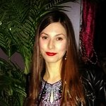 Photo Yana, I'd like to meet a guy or a girl aged 26 - 35 years old - Wamba: online chat & social dating