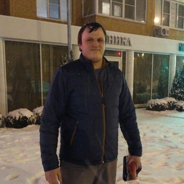 Юра Равков