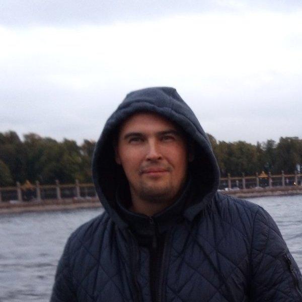 Саша Иванов