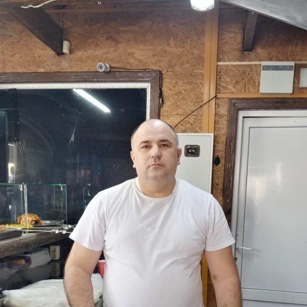 Низоммидин Садиков